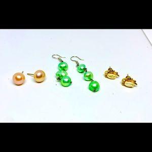 Jewelry - Faux fresh water pearl earrings green/pink/white